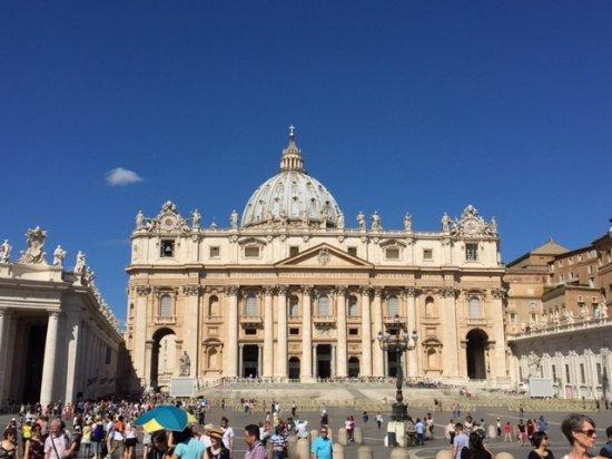 Petersplatz (Piazza San Pietro): サンピエトロ大聖堂