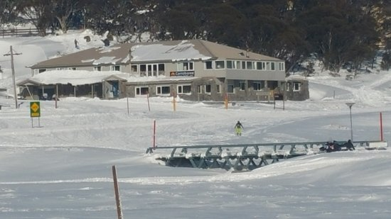 Perisher Valley, Australie : A great winter's day.