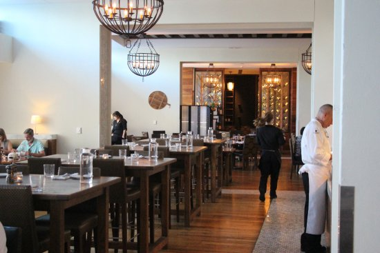 Osteria Pronto: Main hall in restaurant