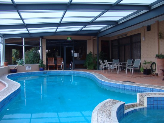 Apollon Motor Inn: Heated Indoor Pool