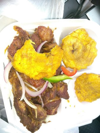 Pembroke Pines, FL: White rice, red bean, inside restaurant, salad, grio with plantain
