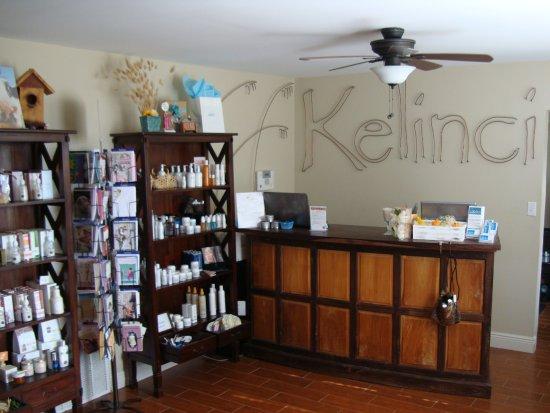 Long Beach, MS: Kelinci Front Desk