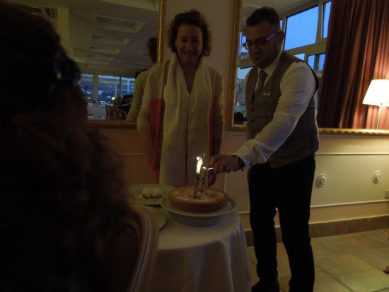 Cristina Hotel: A birthday! Someone is having a birthday!