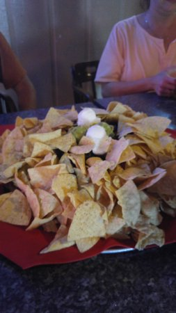 Gladstone, OR: Super nacho wider than a large pizza