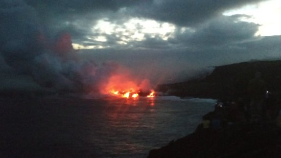 Pahoa, Χαβάη: Part II: View of lava flowing into the ocean
