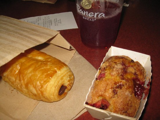 Bloomington, IL: Chocolate Pastry and Raspberry Loaf. Acai Berry Green Tea