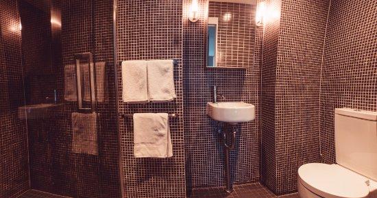 Crown casino toilets