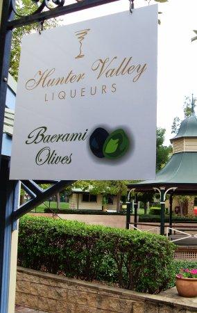 โพโคลบิน, ออสเตรเลีย: all set in the beautiful Hunter Valley Gardens Shopping Village