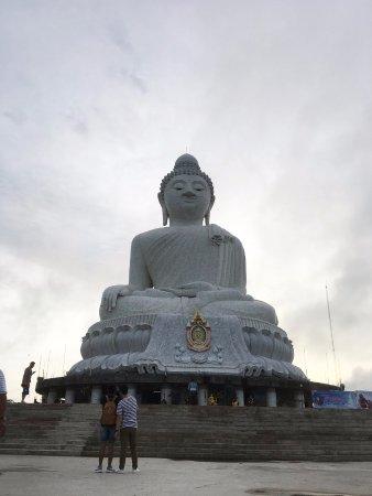 Katathani Phuket Beach Resort: Places to see around the area ( Big Buddha ).