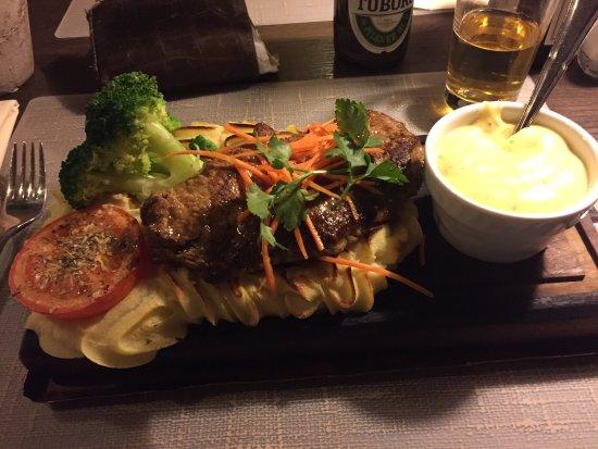Ringsted, เดนมาร์ก: Heerlijke steak met bearnaise saus