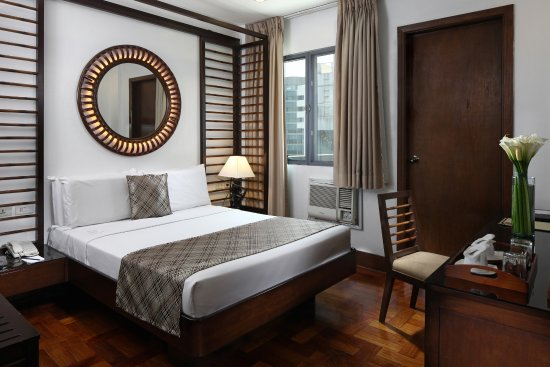 Lotus Garden Hotel: Grand Deluxe Double Room with Balcony