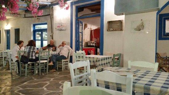 Agios Georgios, Grécia: 20160919_214959_large.jpg