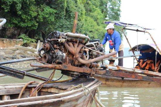 Krabi Heritage Hotel: Лодка на пляж Рейлей.