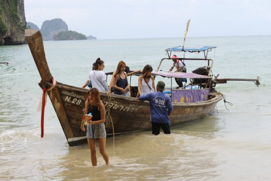 Krabi Heritage Hotel : Высаживание на пляже Рейлей.
