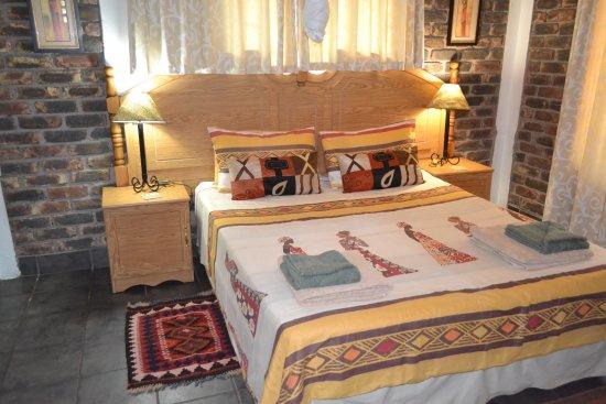 Marloth Park, Sudafrica: Giraffe Lodge - bedroom 1