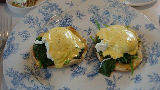 Castlewood House: Egg Benedict