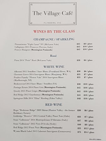 Flinders, Australia: Wines by the glass at the wine bar