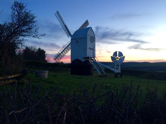 Hassocks, UK: Sunsets at the Jack and Jill Windmills