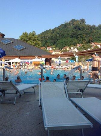 Krapinske Toplice, Hırvatistan: eines der 5 Termalschwimmbecken im Aqua Vivea