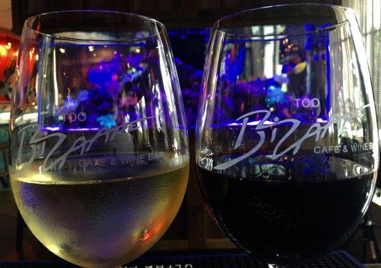 Jupiter, FL: Wine down Wednesday ✅