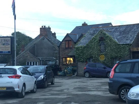 St. Mabyn, UK: Food good Staff great  Reasonabley priced for the quality and size of our meals  (Not a lite bit