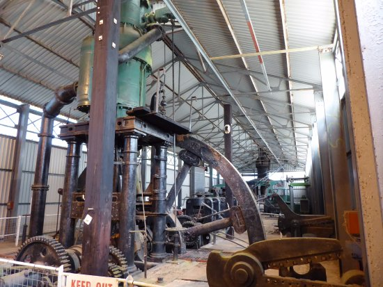 Steam engines for hot rolling mill