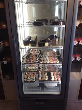 San Dorligo della Valle-Dolina, Italien: Vetrina pasticcini e torte