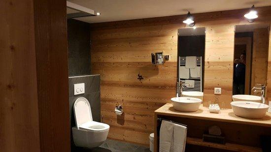Champery, İsviçre: IMG-20160918-WA0011_large.jpg