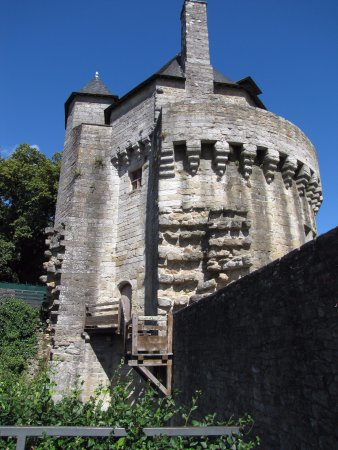 Remparts de Vannes : La tour du connétable