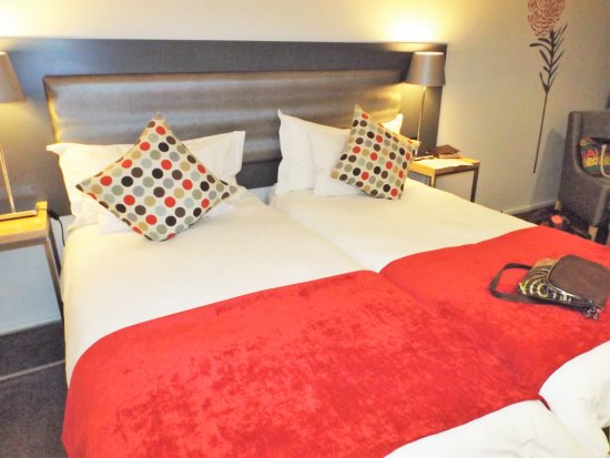 Fountains Hotel: Clean sheets, comy beds