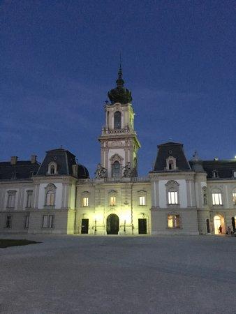 Festetics Palace: Во дворце проходят по четвергам замечательные концерты оперетты.