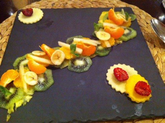 Tournefeuille, Prancis: Même la salade fruit devient un poème