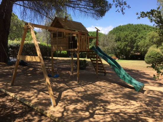 Les Pins de Santa Giulia : Aire de jeux pour enfants