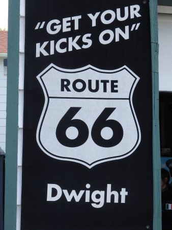 Dwight, IL: Get your Kicks sign.