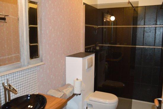 Provincia de Lieja, Bélgica: Bathroom Jérôme
