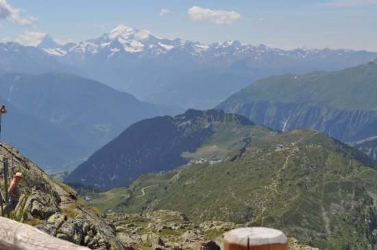 Bettmeralp, Suisse : From the Restaurant you can see the Matterhorn in the back