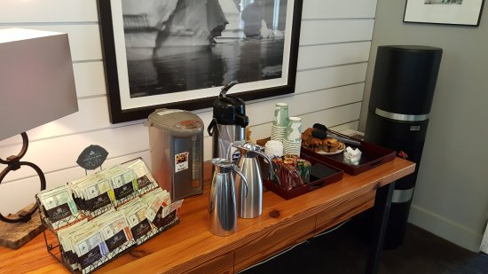 Ledges Hotel: Complimentary Tea and Coffee