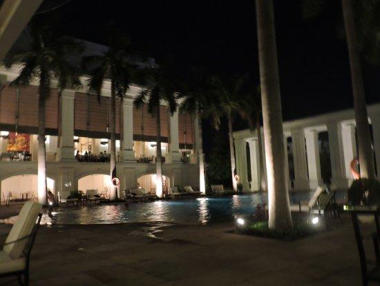 Indochine Palace: piscina esterna