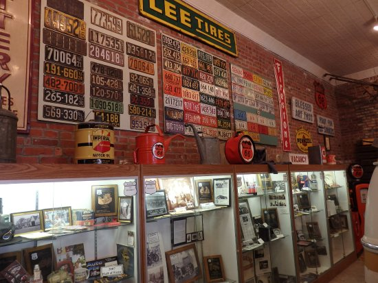 Pontiac, IL: Lots of old licence plates on the wall