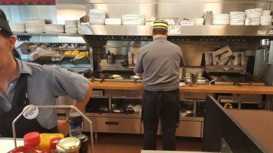 Lebanon, MO: Waffle House