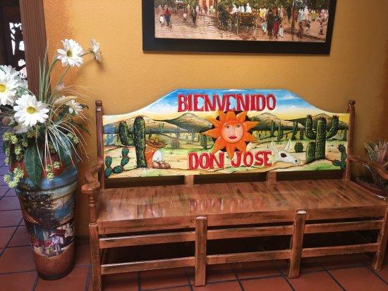 Sebring, FL: Inside the Restaurant