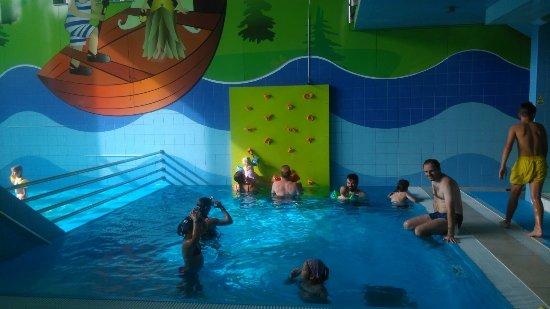 Vyhne, สโลวะเกีย: jeden z vnitřních bazénů
