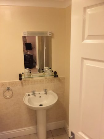 Dunchideock, UK: Bathroom (Room 26)