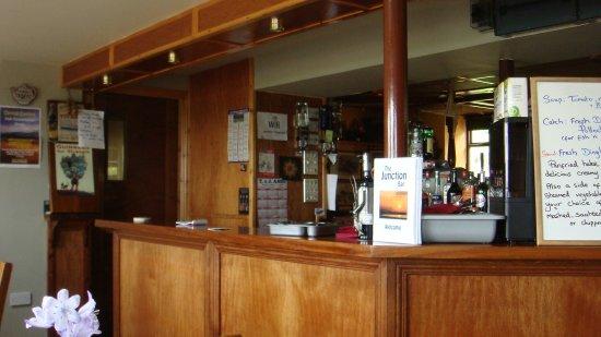 Camp, Irlanda: Part of the bar