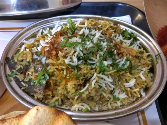 Vapi, India: Biriyani served