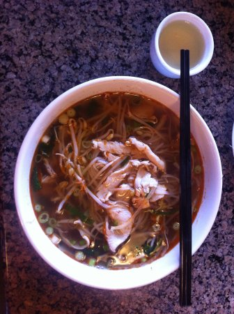 Strathmore, Canada: Spicy Chicken Satay Pho