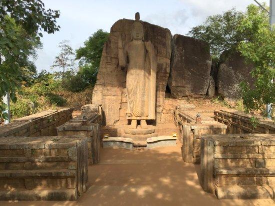 Noordelijke-Centrale Provincie, Sri Lanka: Statue.