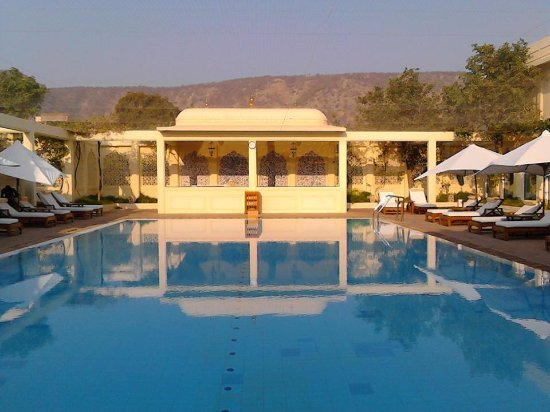 Swimming pool area picture of trident jaipur jaipur for Swimming pool area