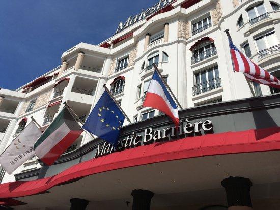 Hôtel Barrière Le Majestic Cannes: photo1.jpg