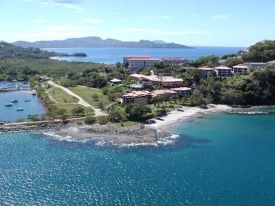 Santa Cruz, Costa Rica: Restaurante en playa flamingo contiguo al Banco Nacional de costa rica.